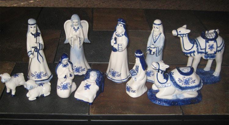 blue-white-nativity.jpg