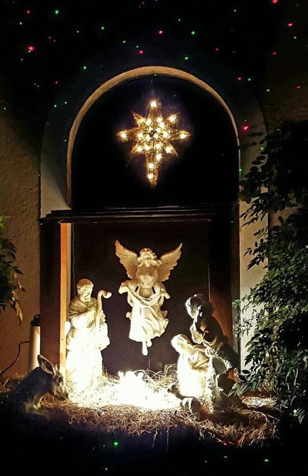 outdoor-nativity-white.jpg